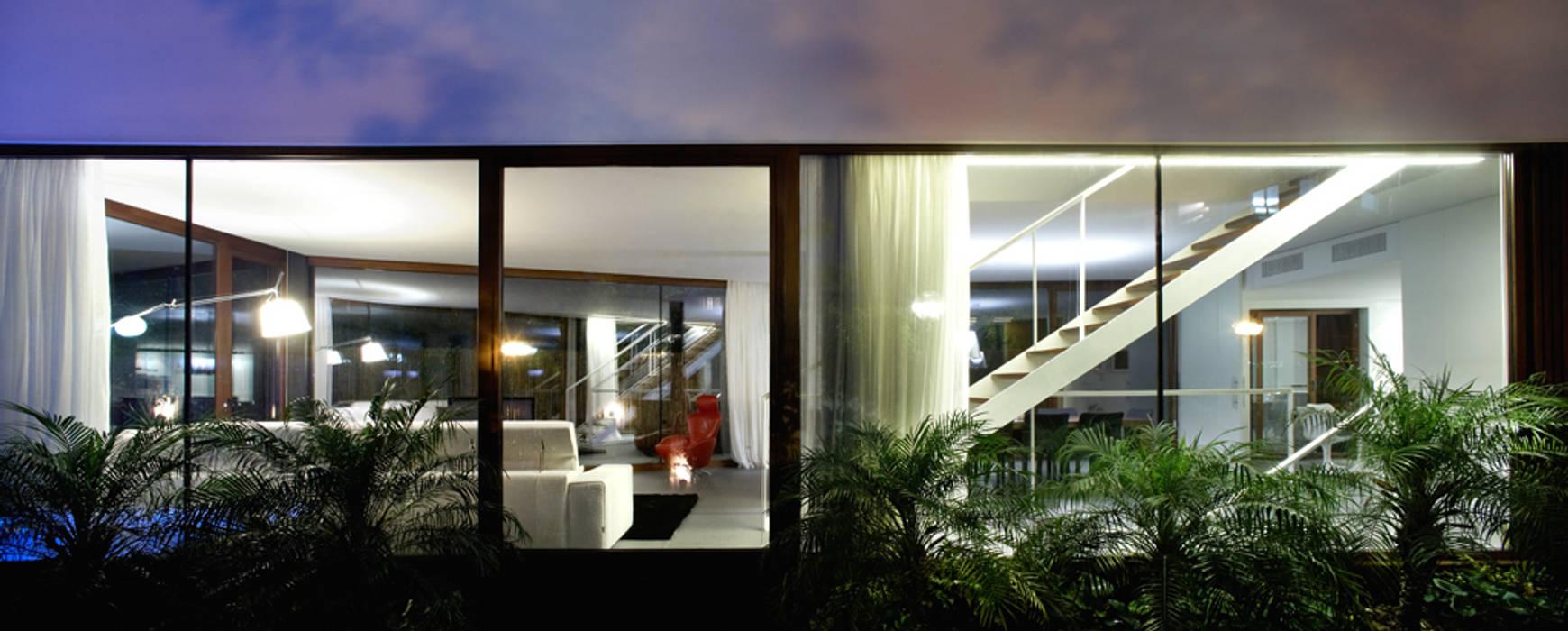 Construcción de vivienda unifamiliar en Vilassar de Mar, Maresme, Barcelona Casas de estilo minimalista de THK Construcciones Minimalista