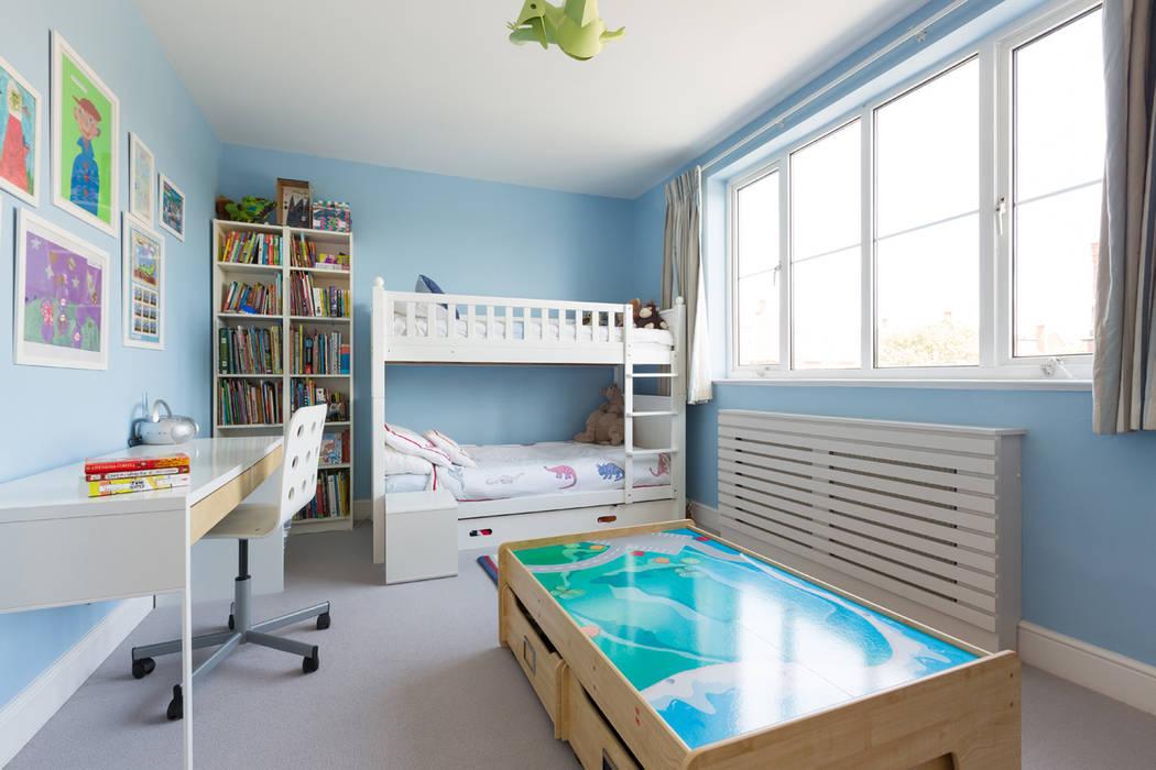 Broadgates Road SW18 BTL Property LTD Dormitorios de estilo moderno