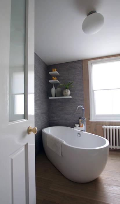Bathroom โดย Kate Harris Interior Design โมเดิร์น