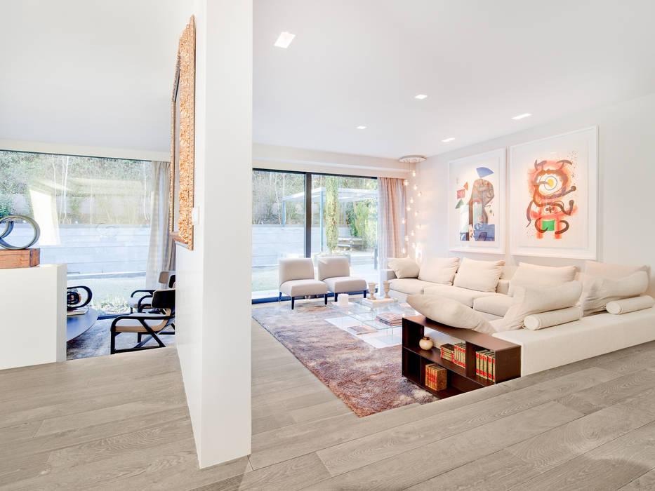 Modern Living Room by Tarimas de Autor Modern
