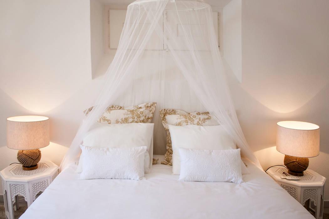 Спальни в . Автор – Home Staging Factory, Колониальный