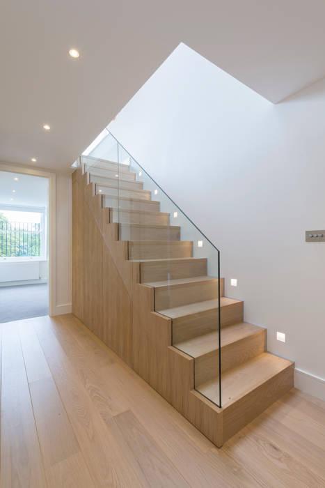 Staircase DDWH Architects Minimalist corridor, hallway & stairs