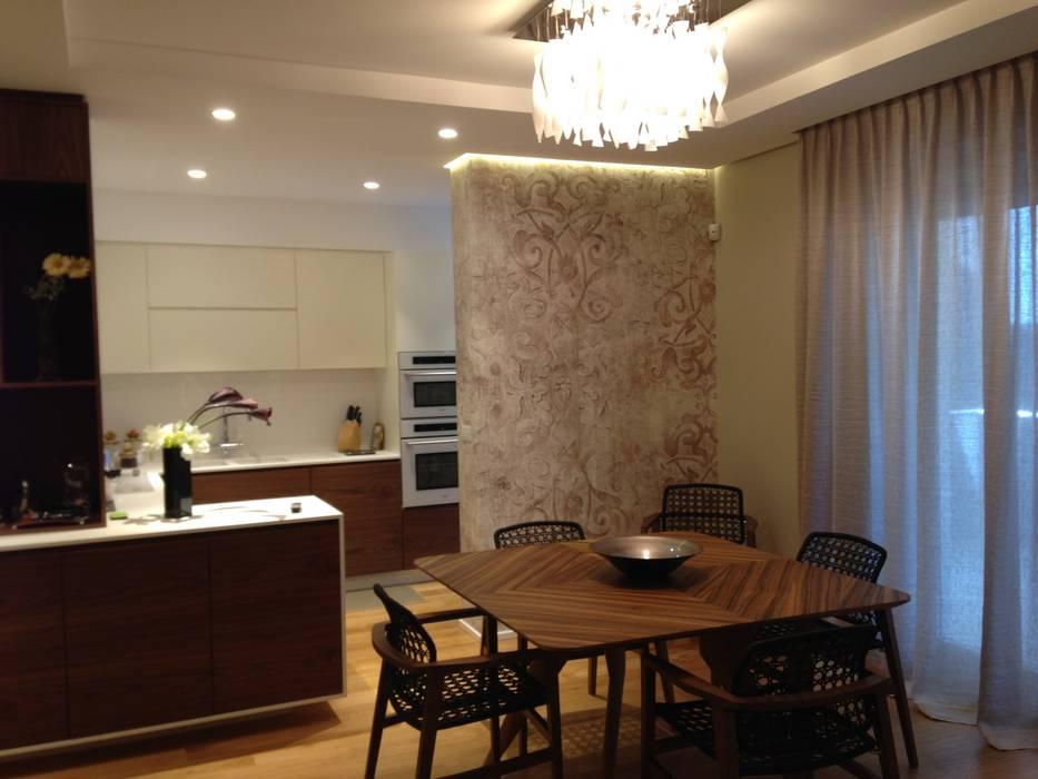 Living room by Domenico Lupariello Architetto,