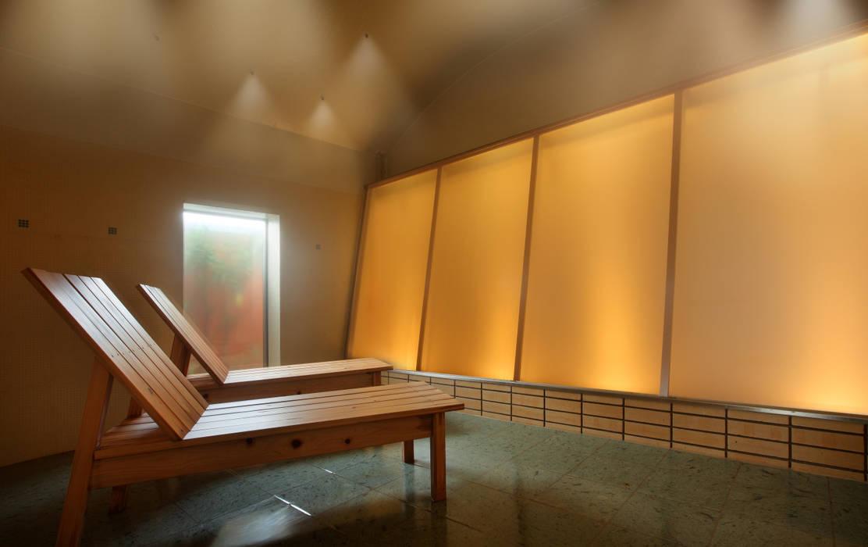 源泉ミストサウナ : mist sauna: TAKA建築設計室が手掛けたホテルです。