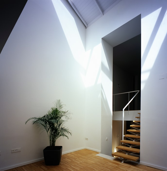 REHABILITACIÓN DE EDIFICIO CONDE DE ROMANONES. Madrid Beriot, Bernardini arquitectos Pasillos, vestíbulos y escaleras de estilo industrial