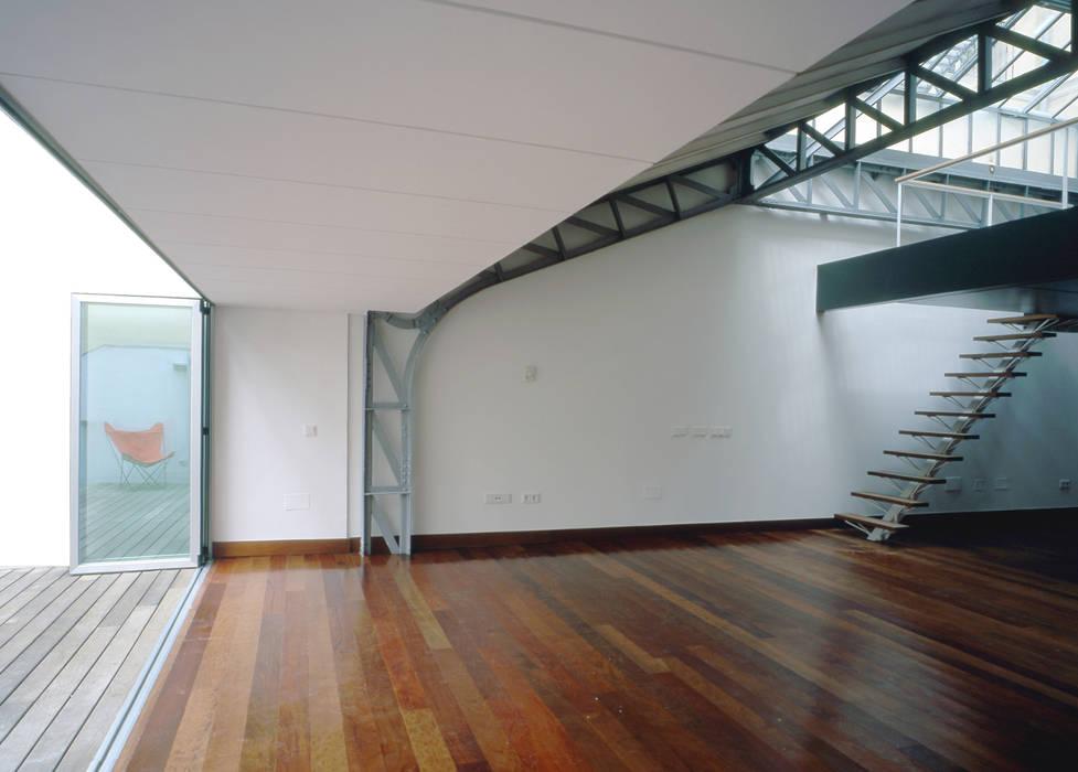 REHABILITACIÓN DE EDIFICIO CONDE DE ROMANONES. Madrid Estudios y despachos de estilo industrial de Beriot, Bernardini arquitectos Industrial