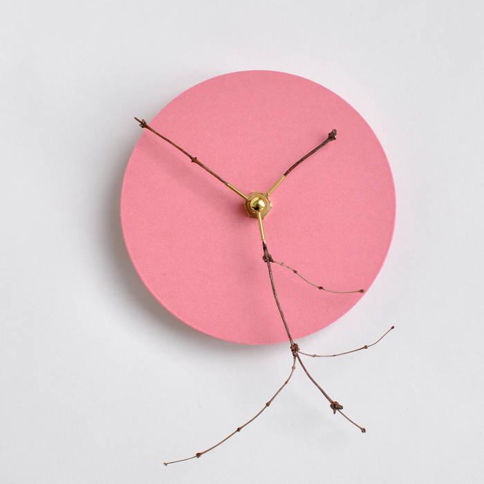 Zweigwerk Uhr Rose: modern  von homify,Modern