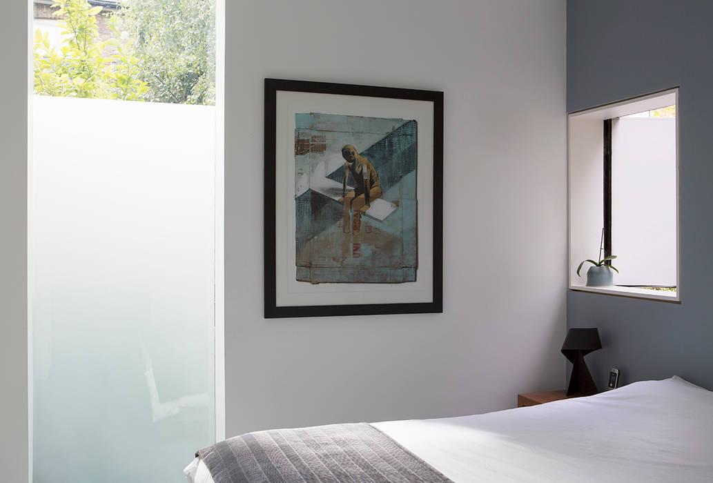 Bedroom Modern style bedroom by Ed Reeve Modern