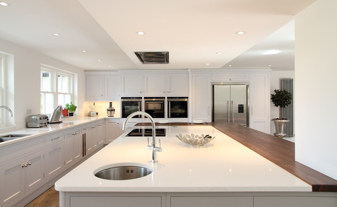 Modern kitchen in Hertfordshire Modern kitchen by John Ladbury and Company Modern