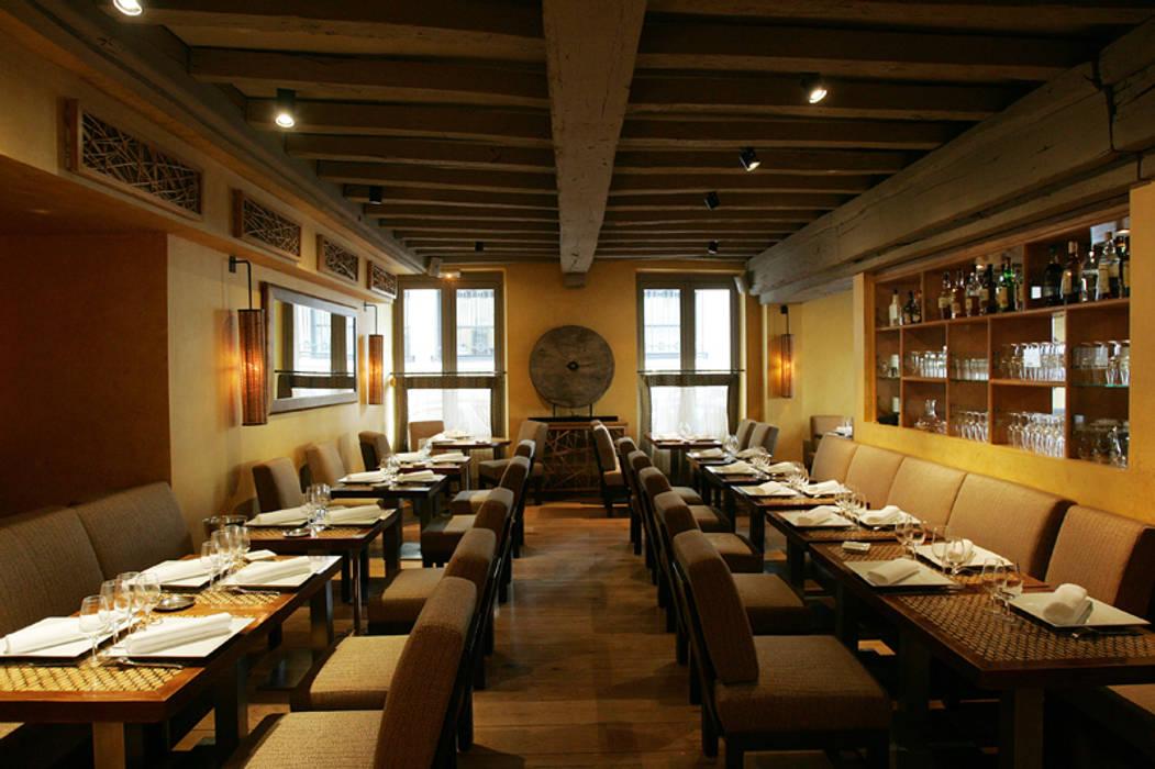 Custom made furniture for a Paris restaurant Gastronomie asiatique par Matahati Asiatique