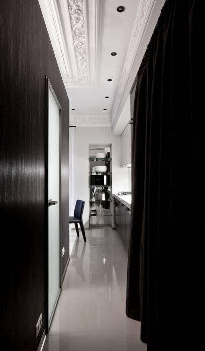 Minimalist corridor, hallway & stairs by Archibrook Minimalist