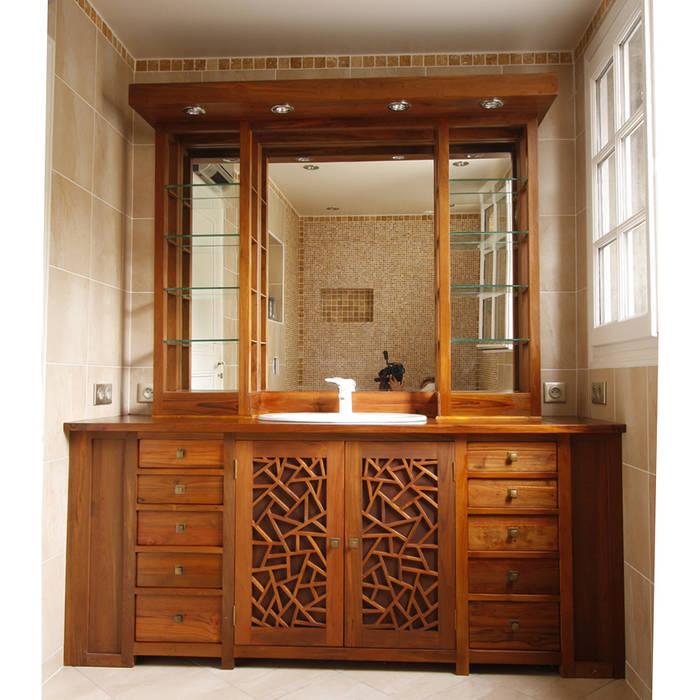 Custom made bathroom cabinet.: Salle de bains de style  par Matahati
