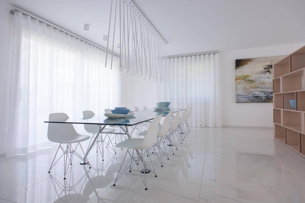 Interior Andrea Tommasi - : Sala da pranzo in stile in stile Minimalista di Andrea Tommasi