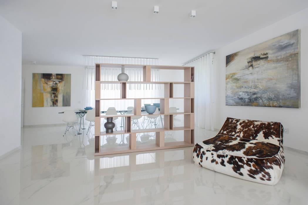 Interior Andrea Tommasi - : Soggiorno in stile in stile Minimalista di Andrea Tommasi