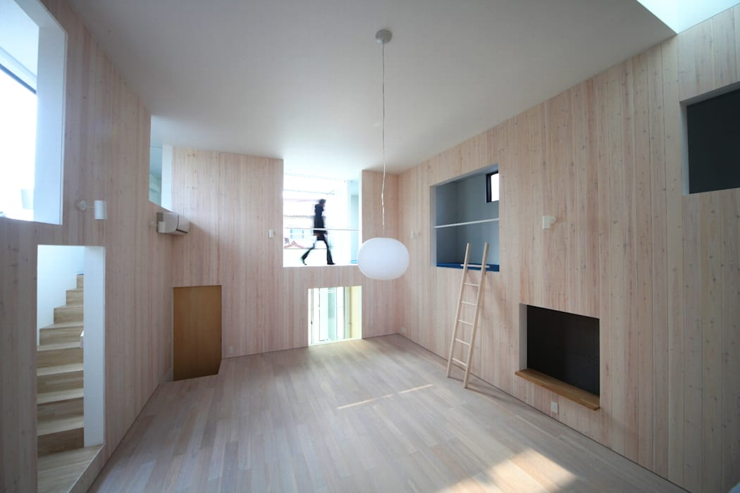 HIROBA: JMA(Jiro Matsuura Architecture office)が手掛けたリビングです。,モダン