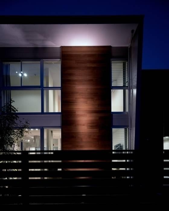 Casas de estilo  de 有限会社アルキプラス建築事務所,