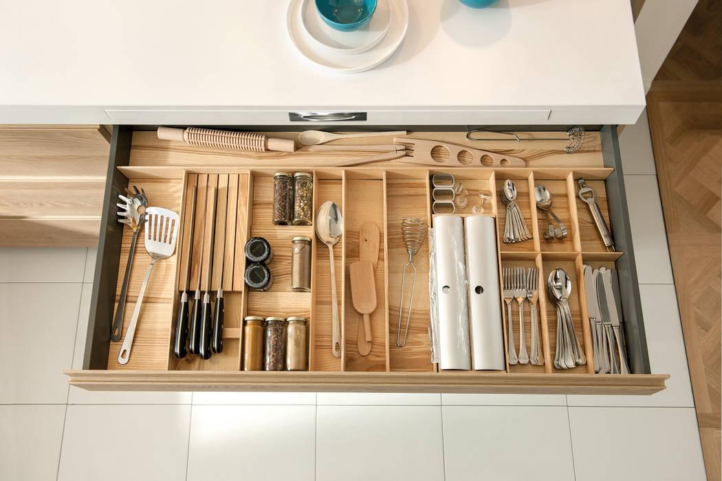 NEW! 2015 Kitchen: PORTLAND + ARCOS by Schmidt Palmers Green Scandinavian