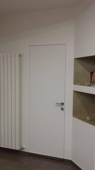 Ristrutturazione apartment 1 Alessandro Guaragna Finestre & Porte in stile moderno