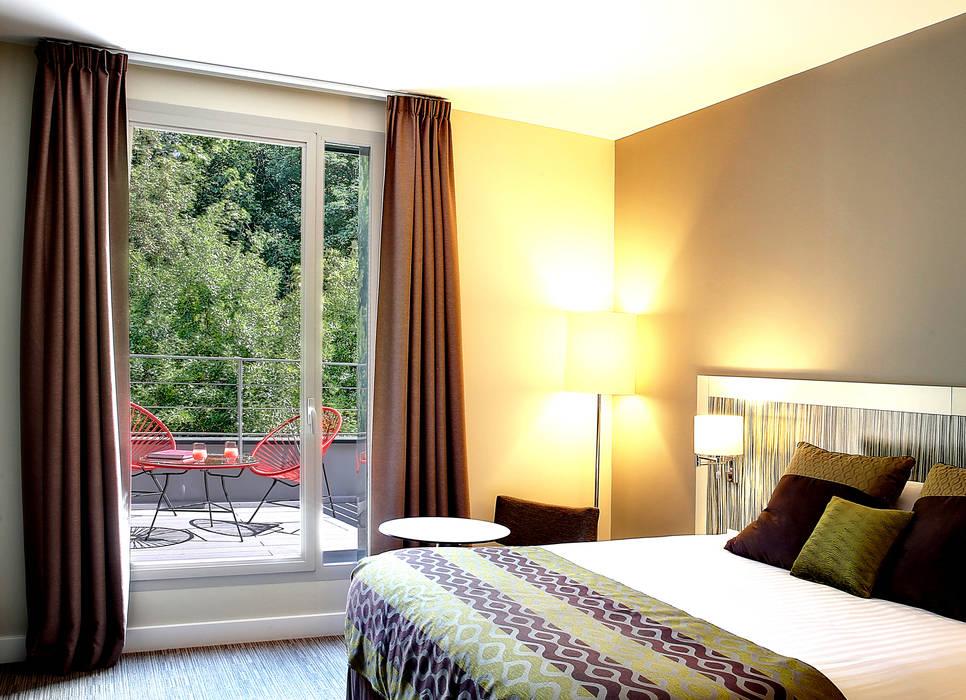 Terrasse Meudon la Foret Best Western depuis l'intérieur Hôtels modernes par boqa Moderne
