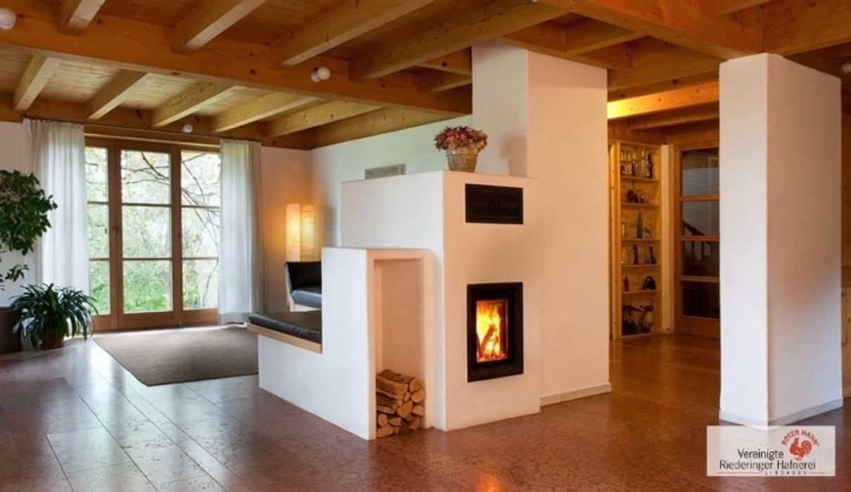 moderner kachelofen wohnzimmer von vereinigte riederinger hafnerei gmbh