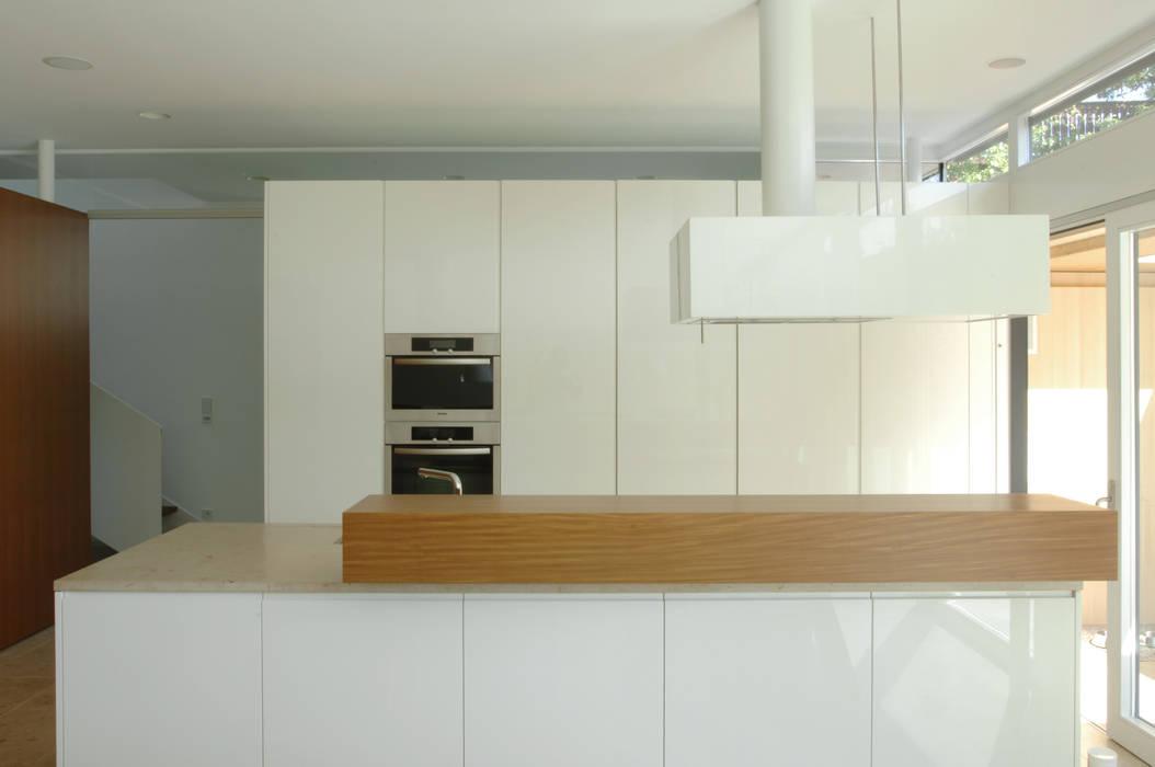 Früh Architekturbüro ZT GmbH 現代廚房設計點子、靈感&圖片