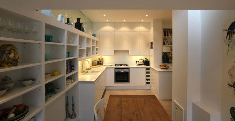 White kitchen Modern Kitchen by Affleck Property Services Modern