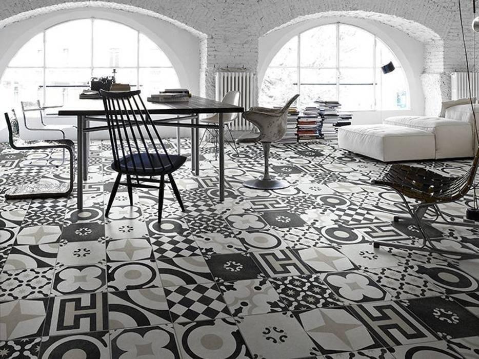 Cementine 20 e Black & White - Fioranese: Soggiorno in stile in stile Moderno di Ceramiche Addeo