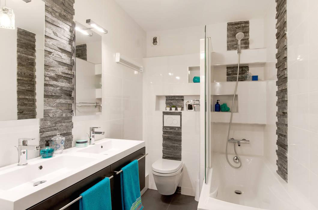 Salle de bains blanche/ardoise/wc suspendu / baignoire: salle de ...