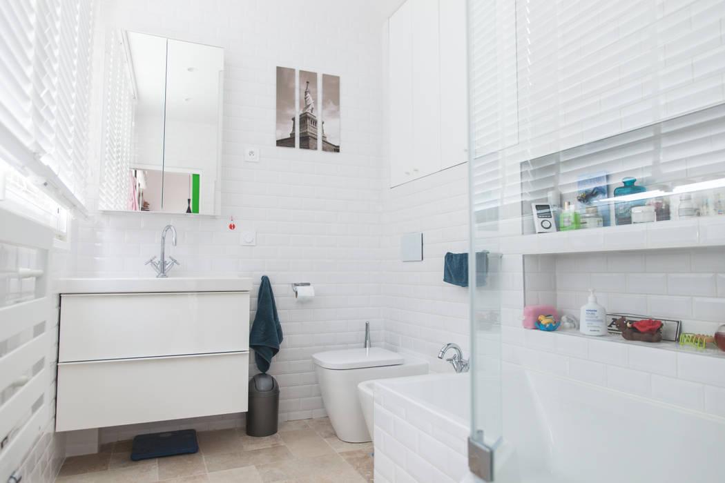 Salle de bain: Salle de bains de style  par Lise Compain