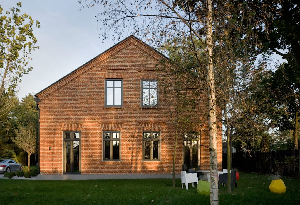 Casas de estilo moderno de REFORM Konrad Grodziński Moderno