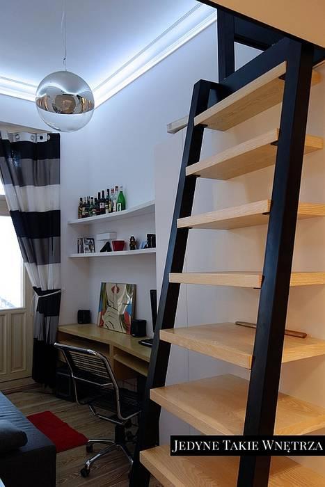 16m2 Salon Z Kuchnią I Antresolą Styl W Kategorii Salon