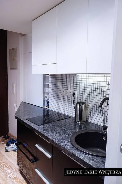 16m2 Salon Z Kuchnią I Antresolą Styl W Kategorii Kuchnia