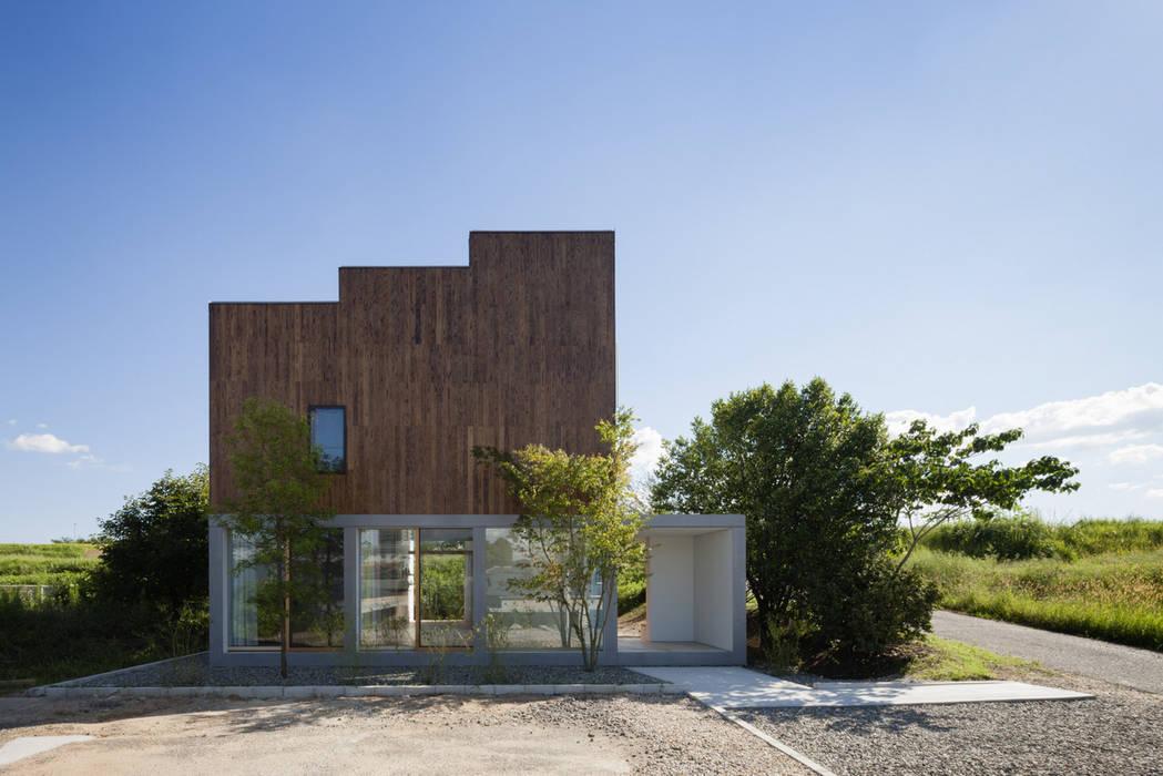北側立面: ihrmkが手掛けた家です。