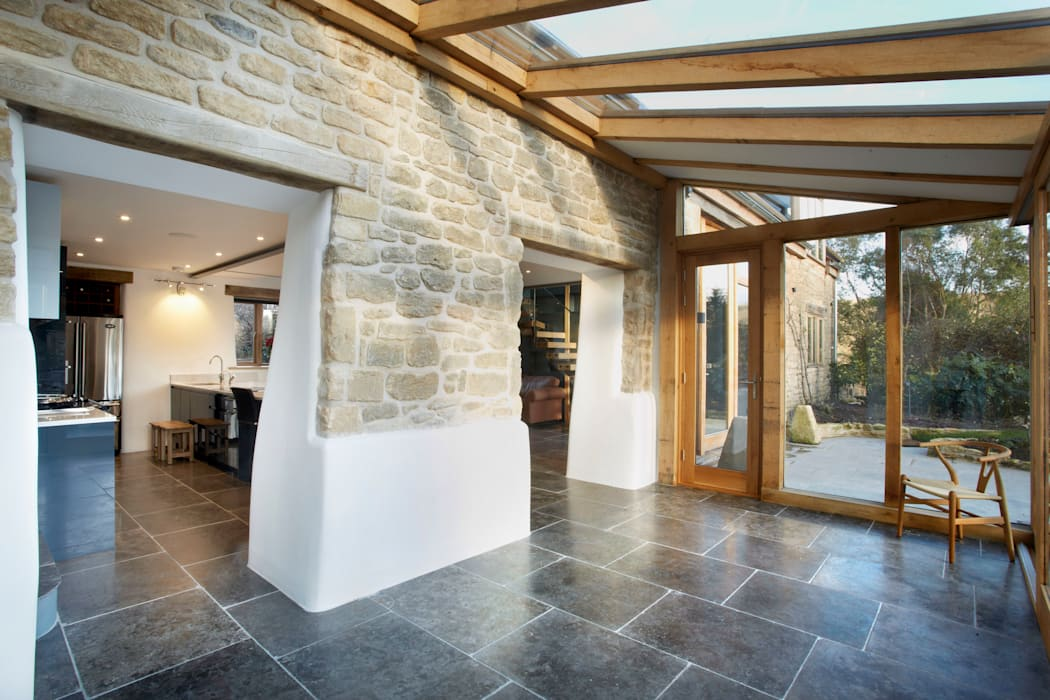 Oak framed conservatory by Hart Design and Construction Country