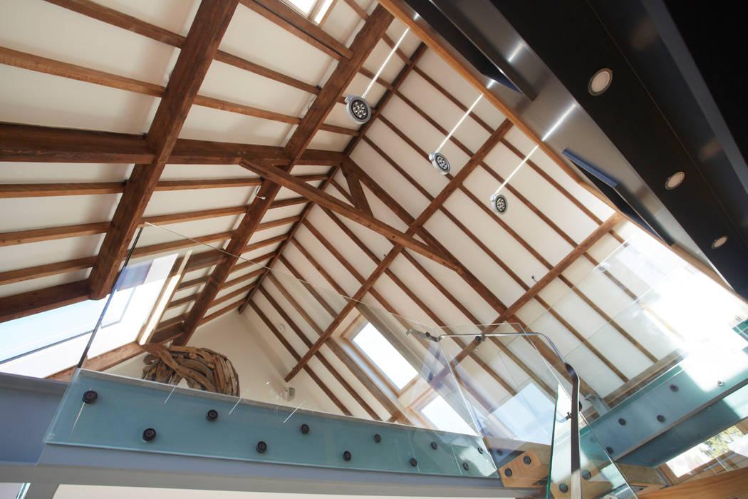 Corridor Roof Design: Exposed Roof Structure: Corridor & Hallway By Hart Design