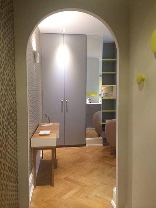 Couloir et hall d'entrée de style  par Pepper Butter