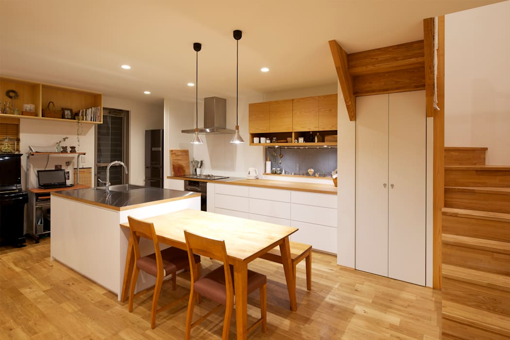 Scandinavian style dining room by H建築スタジオ Scandinavian