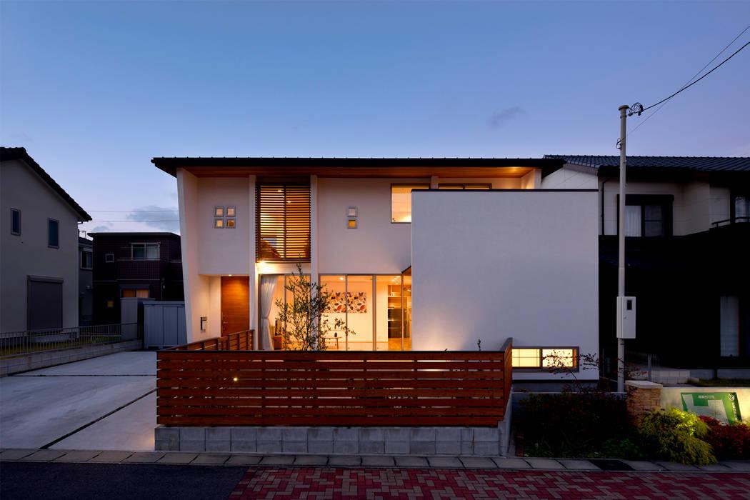Rumah oleh H建築スタジオ, Modern