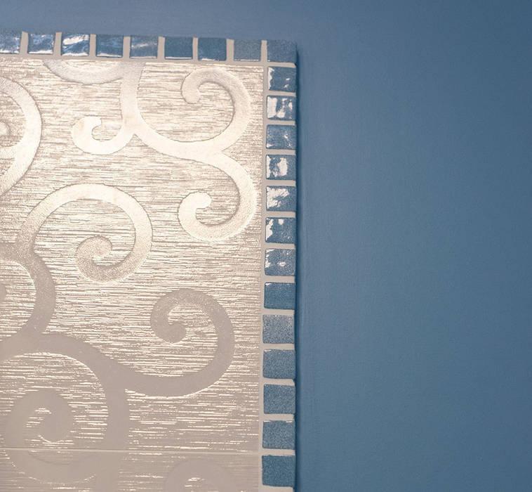 Яркий минимализм: Ванные комнаты в . Автор – D&T Architects