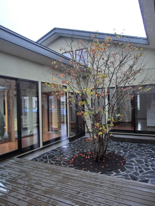 IDEAL Modern style balcony, porch & terrace by 株式会社IDEAL建築設計研究所 Modern