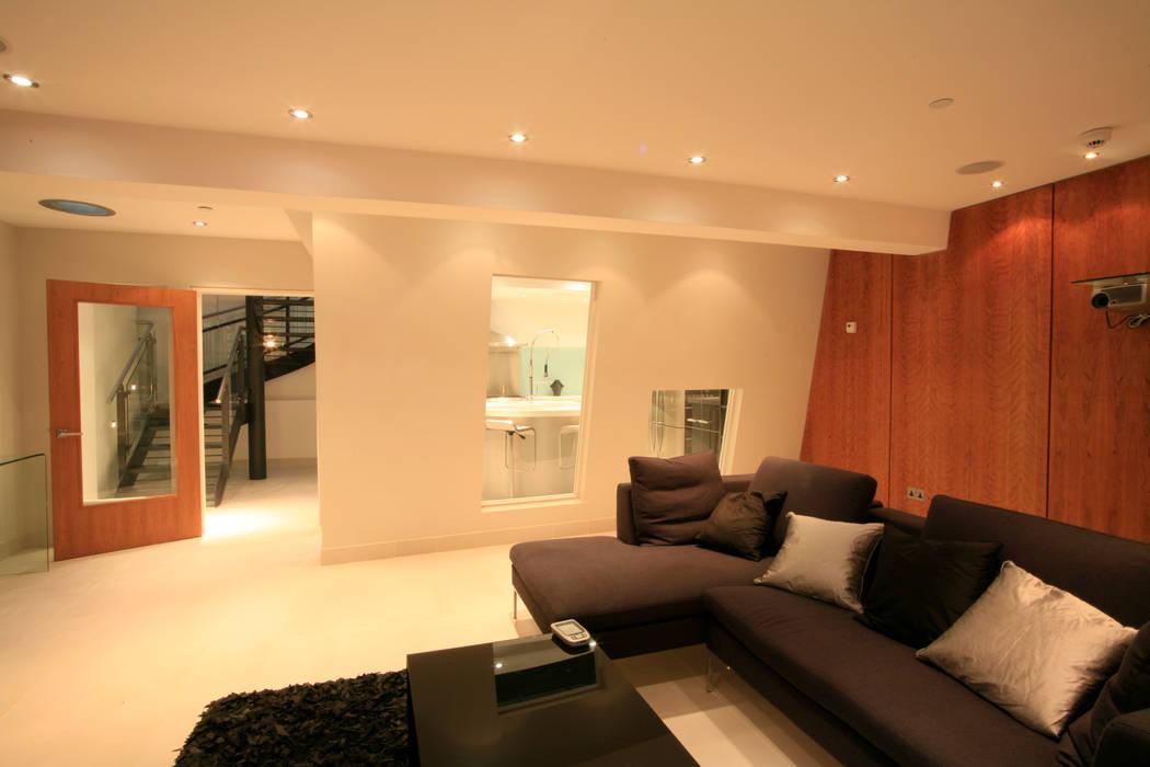 Project 11 Battersea Flairlight Designs Ltd Sala multimediale moderna