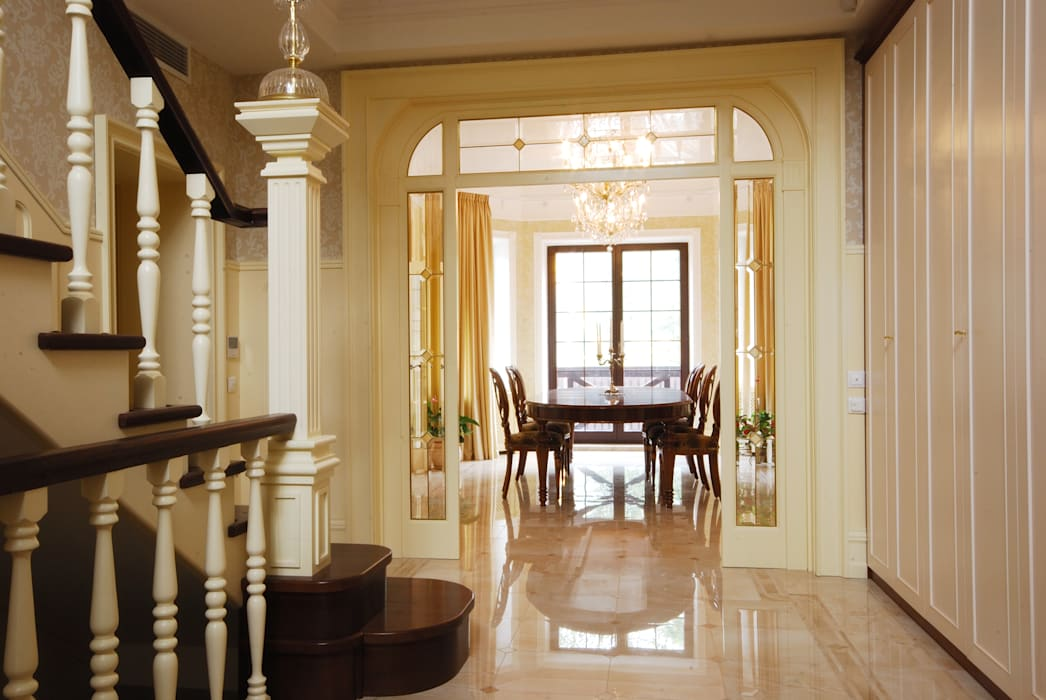 Classic corridor, hallway & stairs by D&T Architects Classic