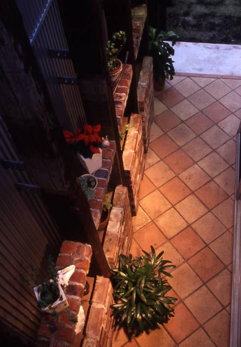 ガレージハウス オリジナルな 庭 の ジェイ石田アソシエイツ オリジナル