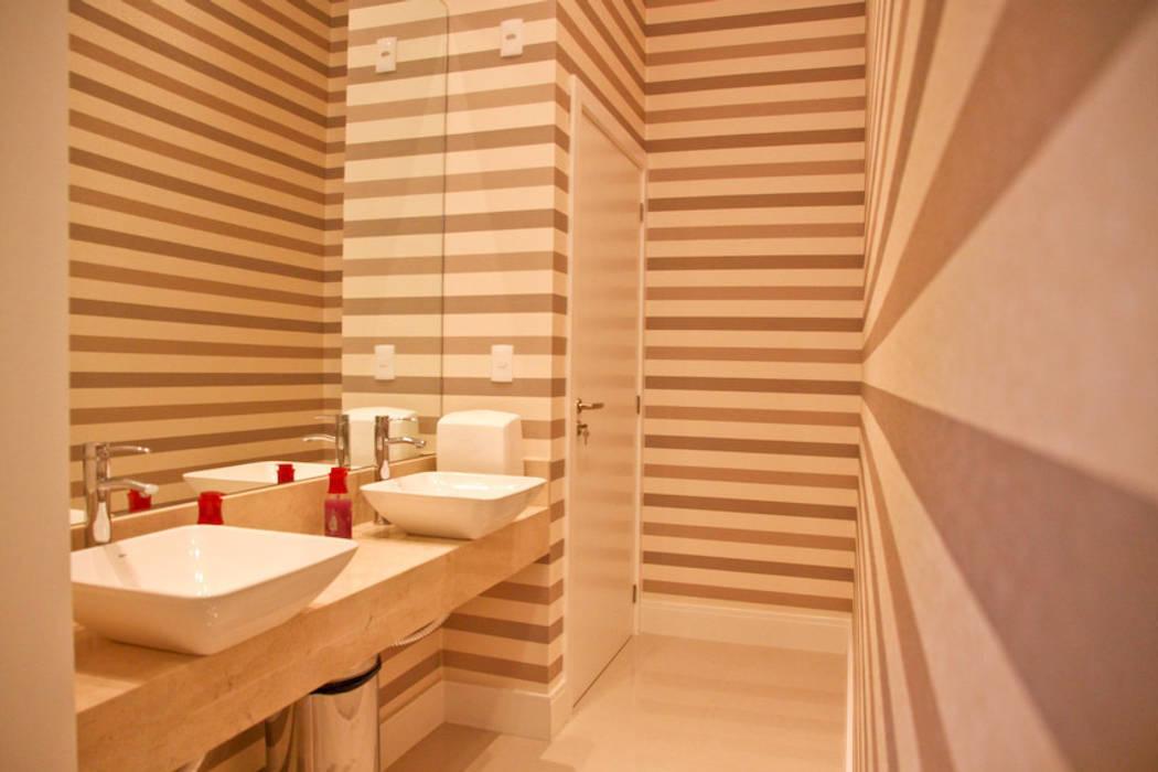 Banheiro Banheiros modernos por Daniela Vieira Arquitetura Moderno