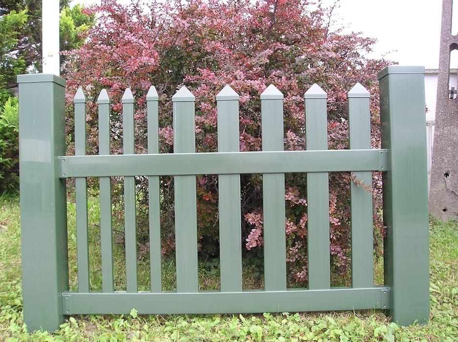 Ogrodzenie w kolorze zielonym Klasyczny ogród od Ogrodzenia PCV Klasyczny