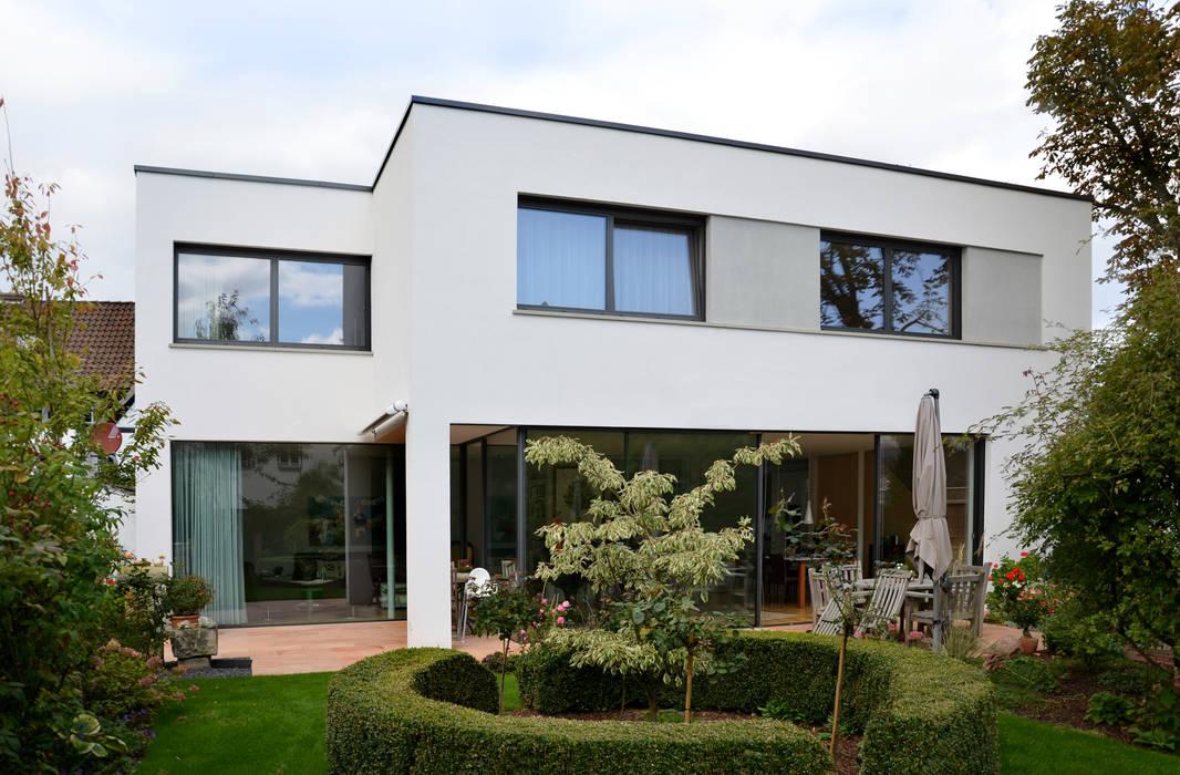 JÖRN KNOP ARCHITEKt+INNENARCHITEKT Balkon, Beranda & Teras Modern