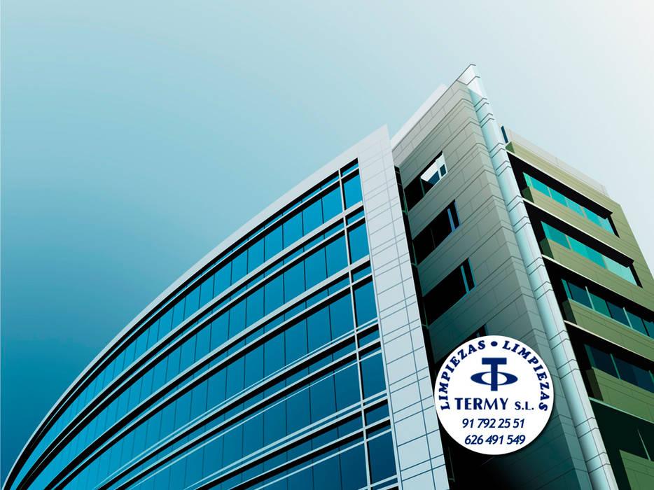 Limpiezas Termy - Empresa de limpieza en Madrid Oficinas y tiendas de estilo moderno de Limpiezas Termy Moderno