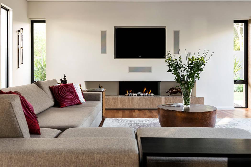 Floreat Residence, Perth, Western Australia Modern living room by Moda Interiors Modern
