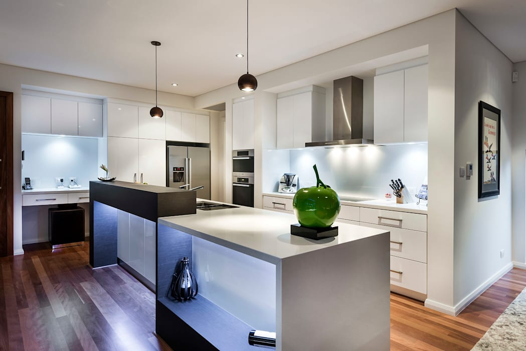 Floreat Residence Modern Kitchen by Moda Interiors Modern