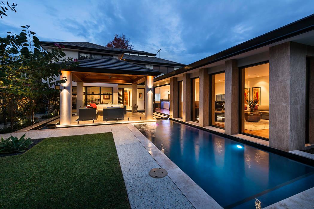 Terrazas de estilo  de Moda Interiors, Moderno